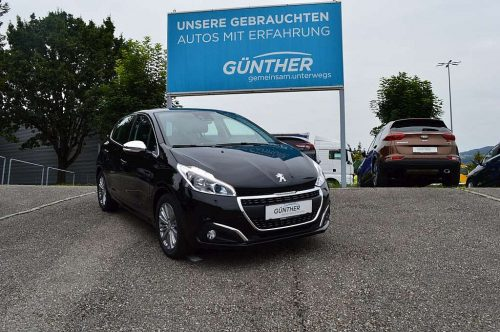 Peugeot 208 Allure 1,2 PureTech 110 S&S EAT6 bei Auto Günther in